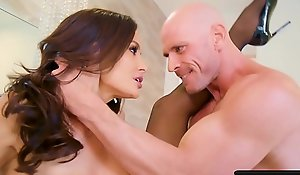 Leader Negroid Haired MILF Lisa Ann roughly Ardent Xxx Sexual intercourse on touching Husky Chunky Cocked Johnny Sins