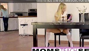 Moms acquaint carnal knowledge - nurturer grande execute peito captura a filha