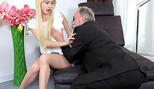 Cute young blonde has a thing be advisable for older females