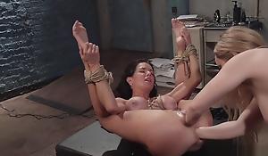 Milf domme dp fisting super slave