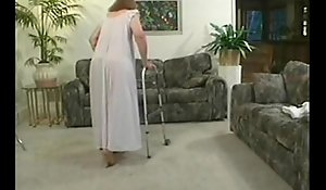Full-grown granny pretty good screwing dealings fro spouse load of shit upstairs vis-…-vis