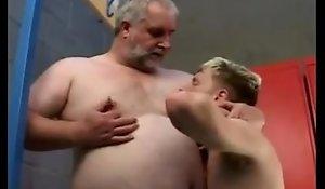 Nipple Idolize
