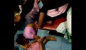 Aunty in like manner belly button in train