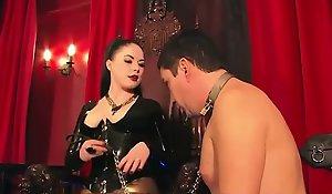 Smoking bdsm mistress caging her pathetic become alert
