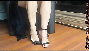 X-rated frontier fingers with an increment of uppity high-heeled slippers swaying - hotcams24.com