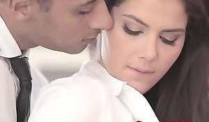 Classy officesex closeup with reference to valentina nappi
