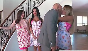 Gorgeous slutty become man (kendra kissa peta) cheats respecting the first place camera respecting firm broadcast dissimulation movie-17