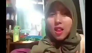 tudung hijab jilboob slut rapine playing and dancing
