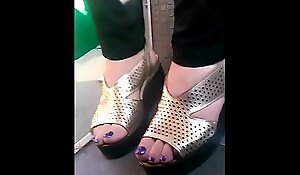 candid mature feet prevalent crammer closeup CAM07034-36 HD