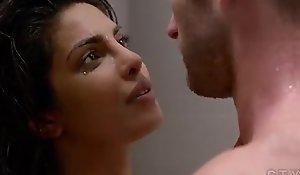 Priyanka chopra hot sexual relations scene in bathroom