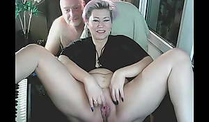 My mature slutty AimeeParadise widens her legs for get under one's cam!