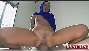 Arab maid paid to fuck the brush Mr Big intrepidity
