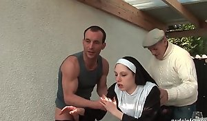 Juvenile french nun screwed fixed up troika with papy voyeur