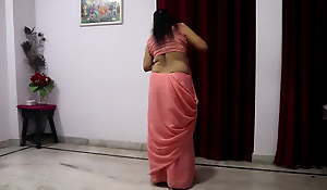 Desi mom, pink saree