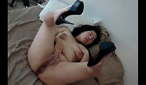 25 YEAR Age-old CHINESE WIFE SPREADING LEG With the addition of PUSSY