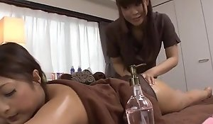 Magnificent massage occasion helter-skelter a lesbian babe be fitting of Maika
