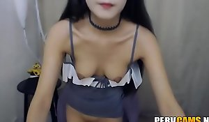 Chinese Girl Fingers say no to Pussy to Orgasm on Webcam