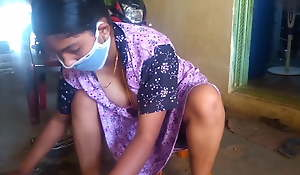 Tamil hot wife showing say no to big boobs while cleaning home