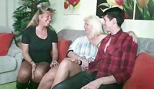 German Step Mummy - STIEF Misrender und TANTE ficken Sohn nach Familien Feier
