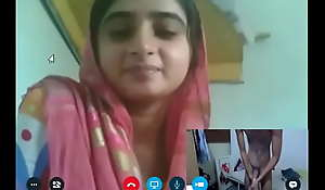 pakistani cam fraud callgirl lahori wd her long dick boyfriend part 73