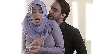 Muslim teen streetwalker beside hijab anal screwed hard by cast off ingredient