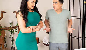 Latina stepmom MILF Sheena Ryder longed-for anal sex from stepson